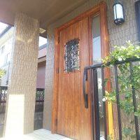 トステムのプレナス23というドアをリシェントの木目調のドアにリフォーム【LIXILリシェントD41型】