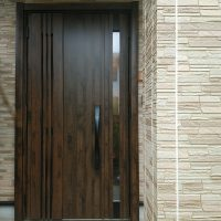 アンティーク調カラーの風が通るドアにリフォーム【LIXILリシェントM83型】