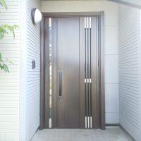 玄関ドアの幅を広くして出入りしやすくしました【LIXILリシェントM83型】