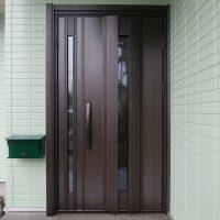 松下電工の玄関ドアを換気ができるドアにリフォーム【YKKAPドアリモC04T】