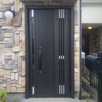 川口技研の玄関ドアを採風ドアに1日でリフォーム