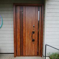 爽やかな風が玄関ドアから通り抜けます【LIXILリシェントM83型】