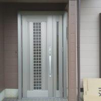 中古住宅購入に合わせてリモコンキー付きのドアにリフォーム【LIXILリシェントC20N】