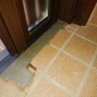 木製玄関ドアをカバー工法でリフォームするには経験と技術が必要です【マイスター社長ブログ】