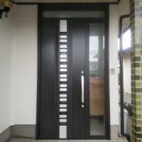 昭和年代の積水ハウスの玄関ドアをリフォーム【LIXILリシェントG82型】