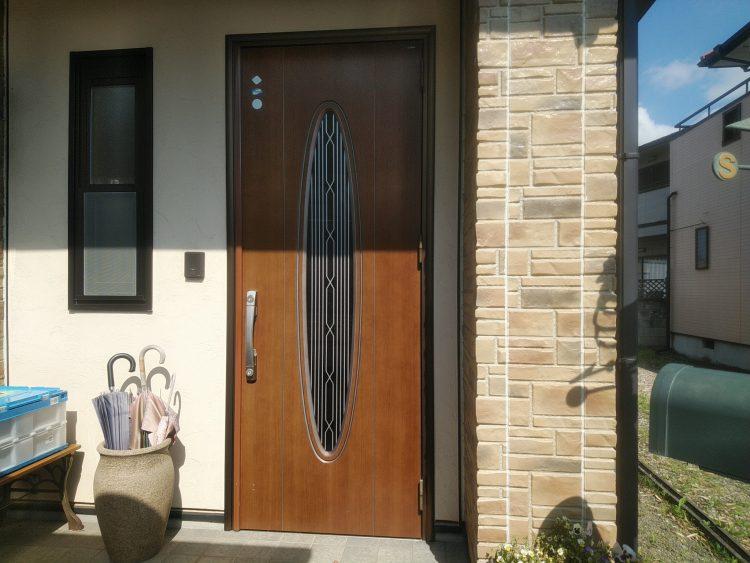リフォーム前のヤマハのドア