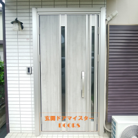 平成のドアが令和のデザインに変わるとこんなにイメージが良くなります【YKKAPドアリモF03T】上尾市の工事事例