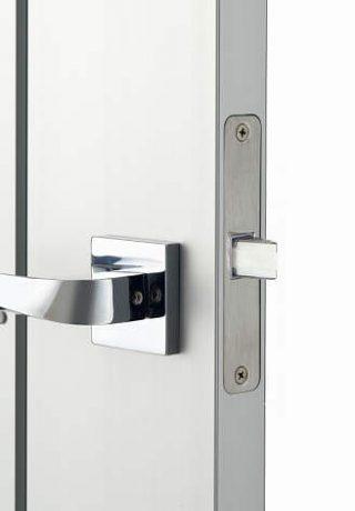 玄関ドアのラッチ
