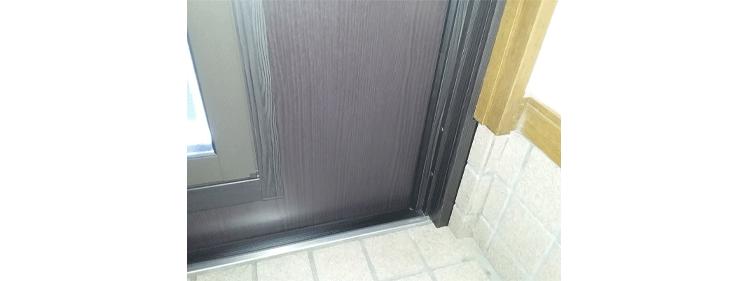 玄関ドア 段差のない下枠