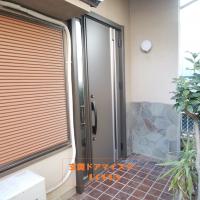木製の玄関ドアも1日で断熱タイプのリシェントにできます【LIXILリシェントM78型】